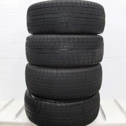 Зимние шины б/у 215/45 R17 Bridgestone Blizzak Revo2 в Новосибирске